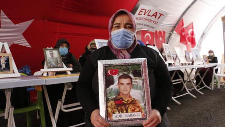 Evlat nöbetindeki anne: Oğlumu HDP'den de PKK'dan da istiyorum