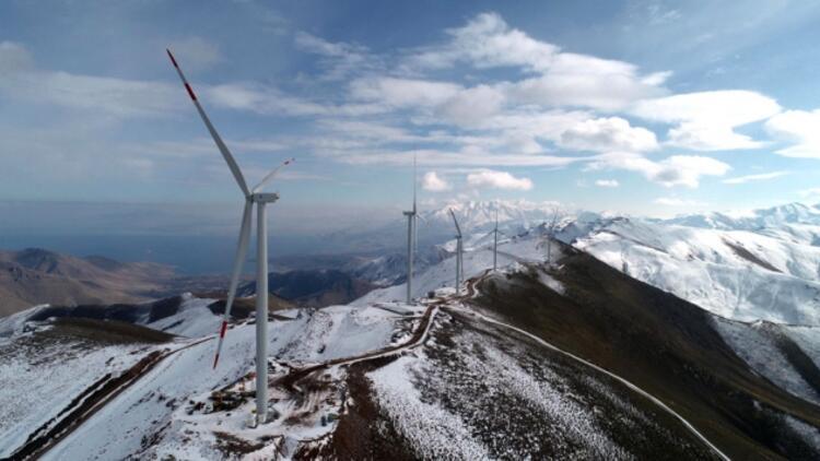 Türkiye'nin en yüksek rakımlı Rüzgar Enerji Santrali Van'da kuruldu