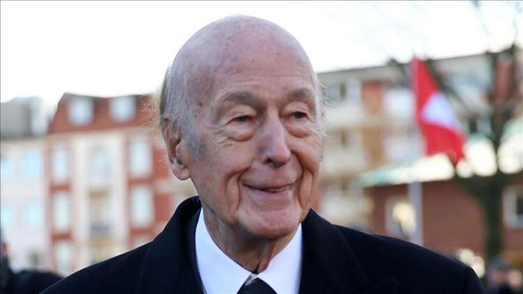 Eski Fransa Cumhurbaşkanı Valery Giscard d'Estaing hayatını kaybetti