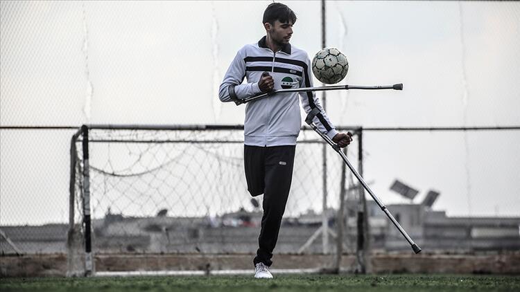 Türk ampute futbolcu Telli'yi örnek aldı hayallerinin önündeki 'engel'i kaldırdı