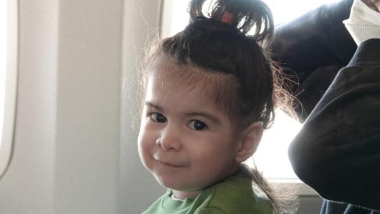 Tedavi için ABD'ye giden SMA hastası Demir Ali için uçakta duygulandıran anons