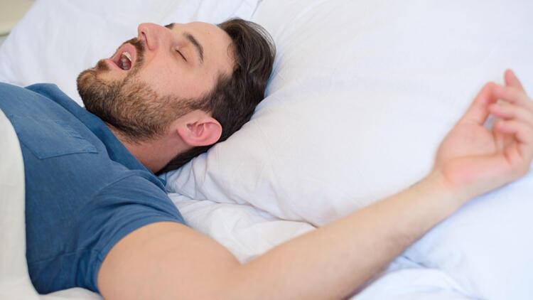 Uyku apnesi tedavi edilmediğinde hastalıkları beraberinde getiriyor