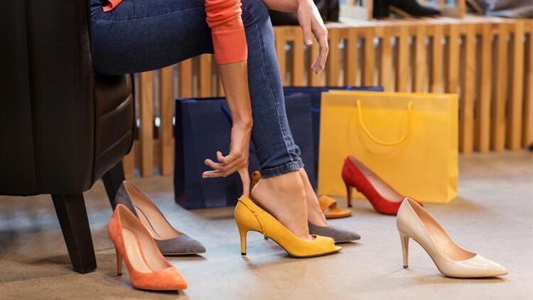 Kötü Ayakkabı Kullanımı ve Ayak Sorunlarına Yol Açabilir