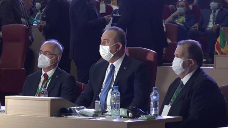 Bakan Çavuşoğlu Gine Cumhurbaşkanı'nın yemin törenine katıldı
