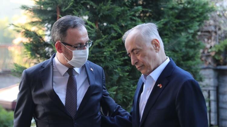 Galatasaray Başkanı Mustafa Cengiz, Yılın Fotoğrafı oylamasına katıldı