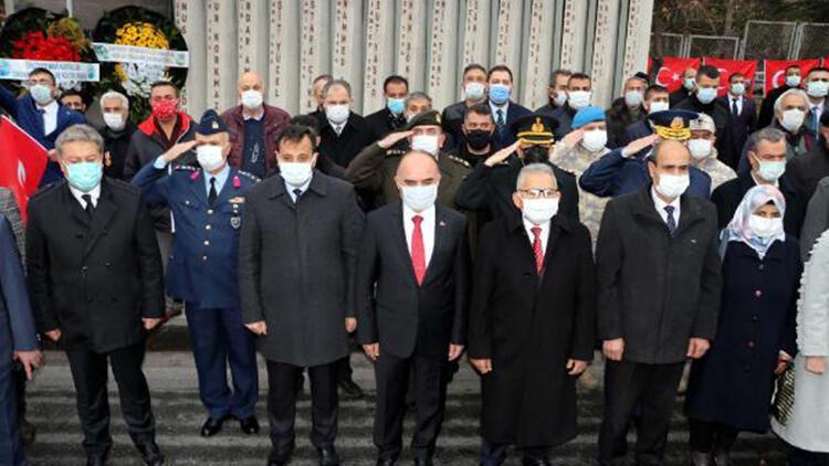 Kayseri'deki terör saldırısında şehit olan 15 asker anıldı