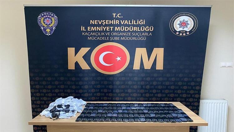 Nevşehir'de 100 adet kaçak cep telefonu ele geçirildi