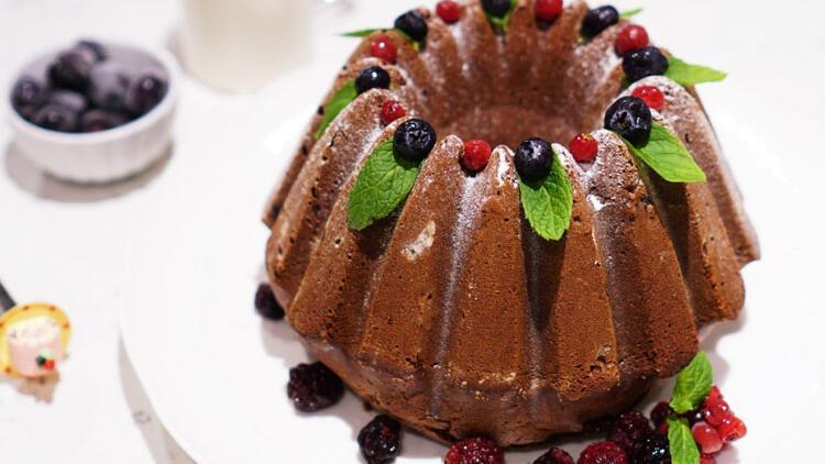 Kırmızı meyve aşkına: Frambuazlı kakaolu kek