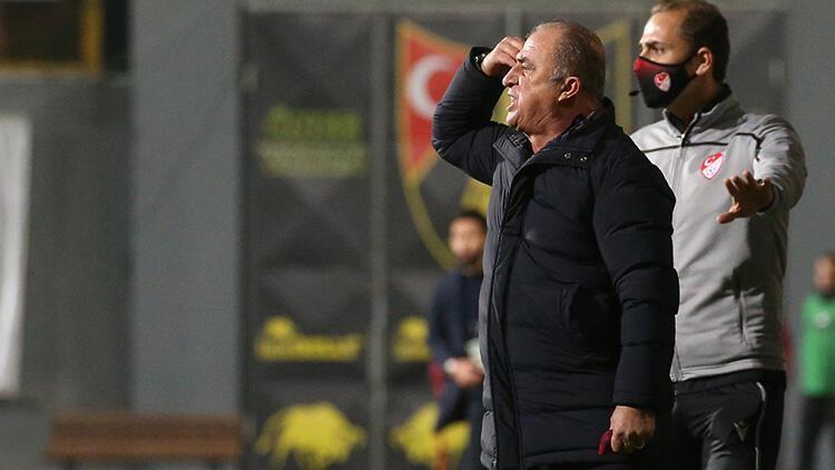 Galatasaray'da Fatih Terim savunmasını kendi yapacak!