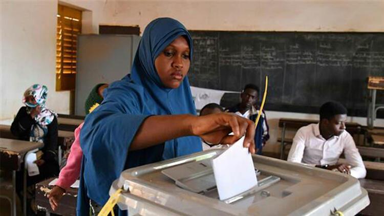 Nijer'de seçim başladı