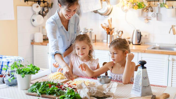 Çocuğunuzun sağlıklı beslenmesini sağlamak için 8 ipucu
