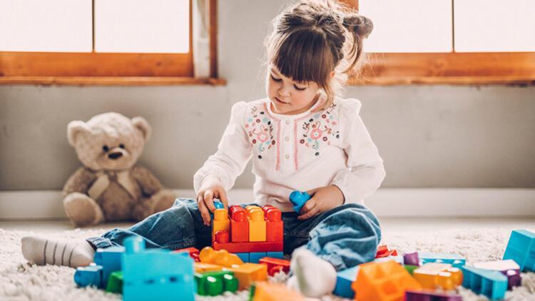 Çocukların oyun odasını temiz tutmanın 7 harika yolu