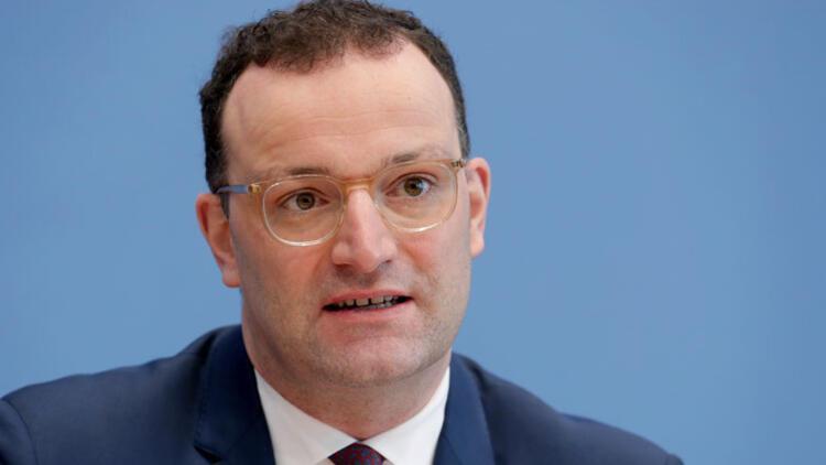 Almanya'da aşı kavgası büyüyor