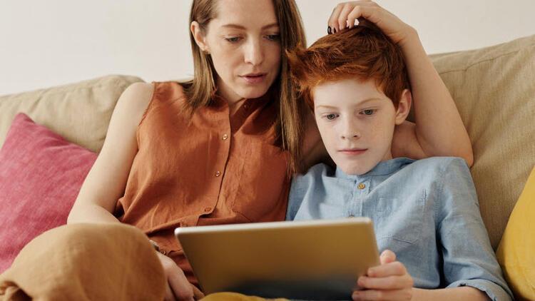 İnternet bağımlısı çocuklar savaş oyunlarıyla zaman geçiriyor
