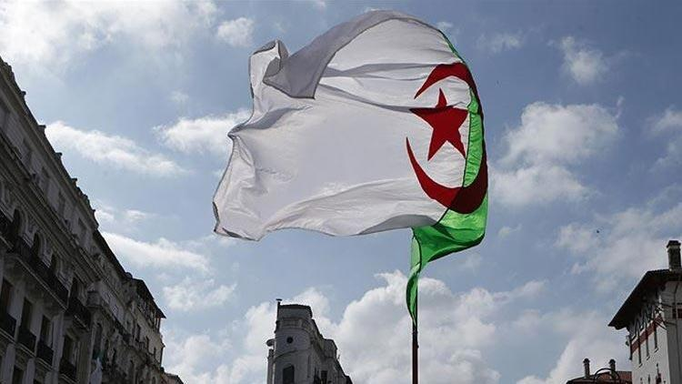 Cezayir Cumhurbaşkanı'ndan teyakkuz çağrısı