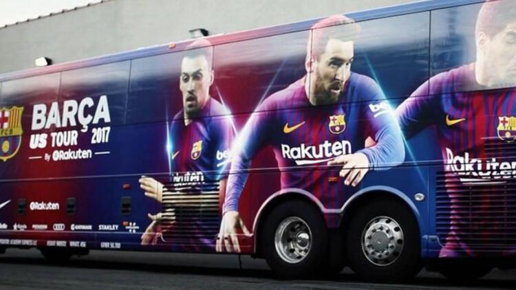 Barça tasarruf için otobüsle eve döndü