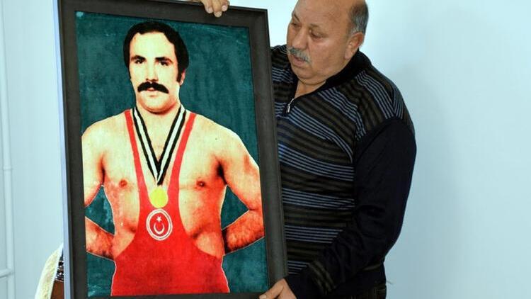 Survivor 2021'de dikkat çeken isim: Reşit Karabacak'ın oğlu çıktı – Reşit Karabacak kimdir?