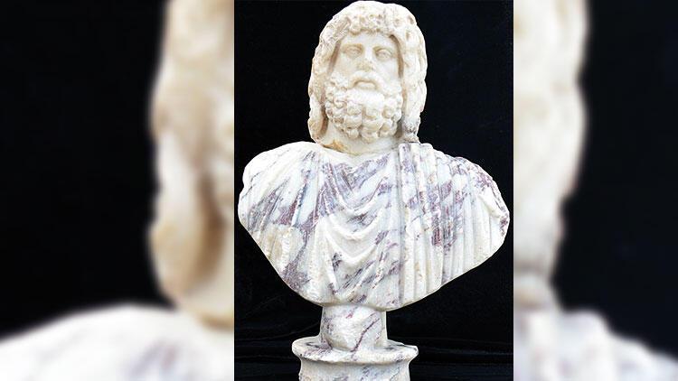 Kibyra'da iki tanrı heykeli bulundu