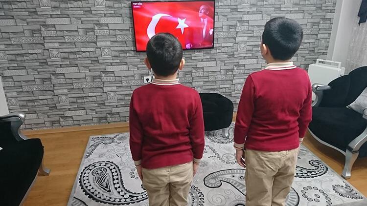 Milli Eğitim Bakanı Selçuk, çağrı yapmıştı! 81 ilde bayrak töreni yapıldı