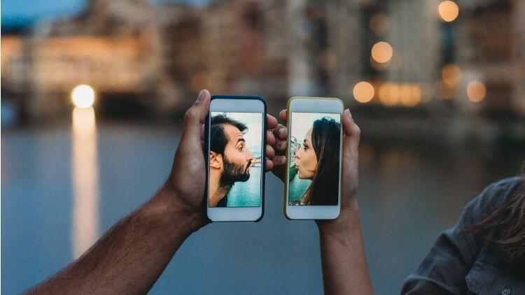 Pandemi döneminde dijital aşklar filizlendi, ilişkiler boyut kazandı