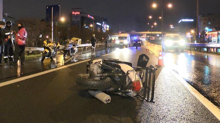 İstanbul'da motokuryeye çarpan lüks otomobil sürücüsü kaçtı