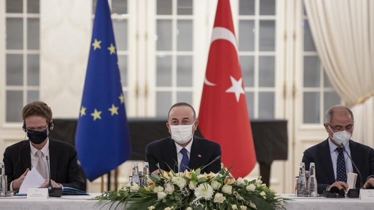Dışişleri Bakanı Mevlüt Çavuşoğlu'ndan reform mesajı