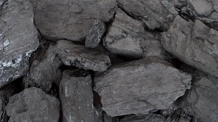 Muhtaç ailelere kömür yardımı devam edecek