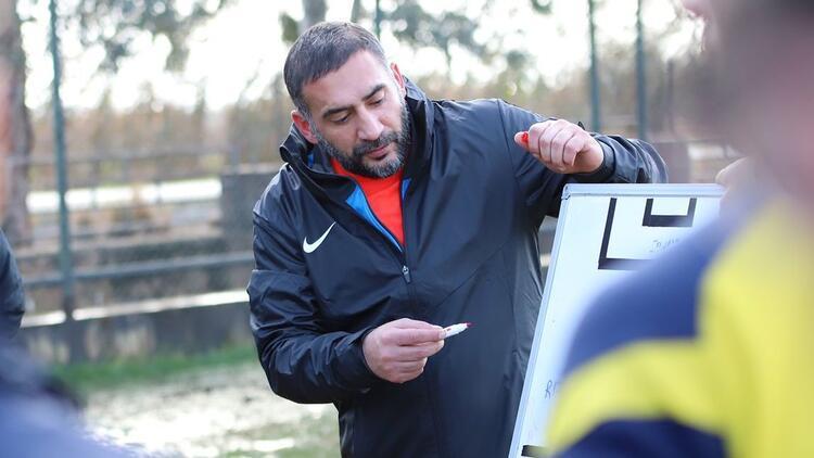 Menemenspor'da Ümit Karan ilk transferini yapıyor! Berkay Samancı...