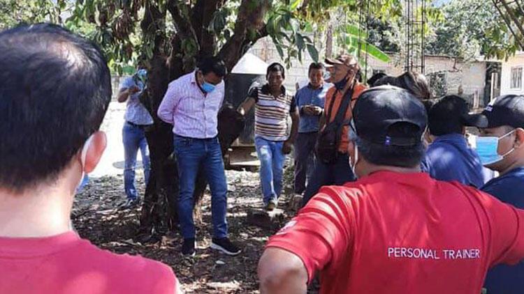 Meksika'da şoke eden bir olay yaşandı... Chiapas eyaletinde 'kaliteli hizmet vermeyen' Belediye Başkanı ağaca bağlandı