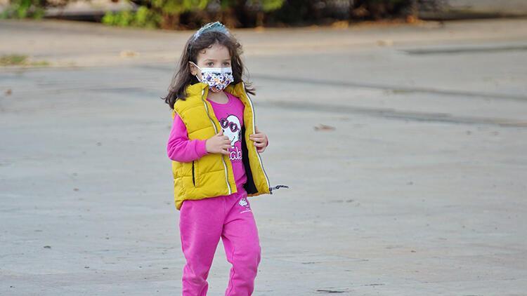 Çocuklar için en iyi koruma yöntemi hangisi? Siperlik mi, maske mi?