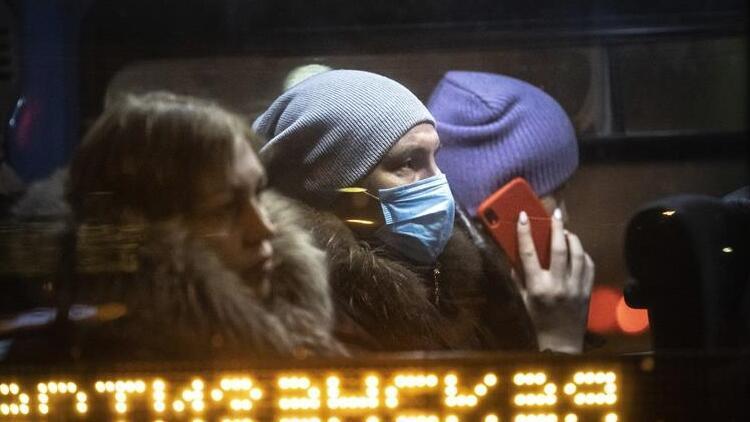 Bin 500 kişide görüldü.. Rusya'da mutasyonlu virüs paniği büyüyor