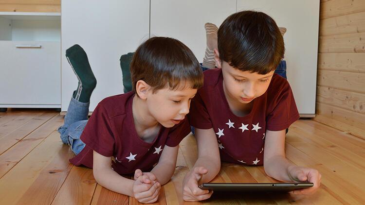 Pandemi çocukları olumsuz etkiledi... Sosyalleşmekten uzak, ekran başında vakit geçiriyorlar