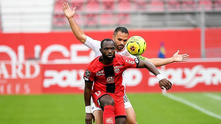 Fransa Ligue 1'de Lorient-Dijon maçına koronavirüs engeli