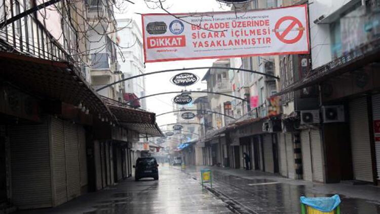 Gaziantep'te işlek cadde ve meydanlar boş kaldı