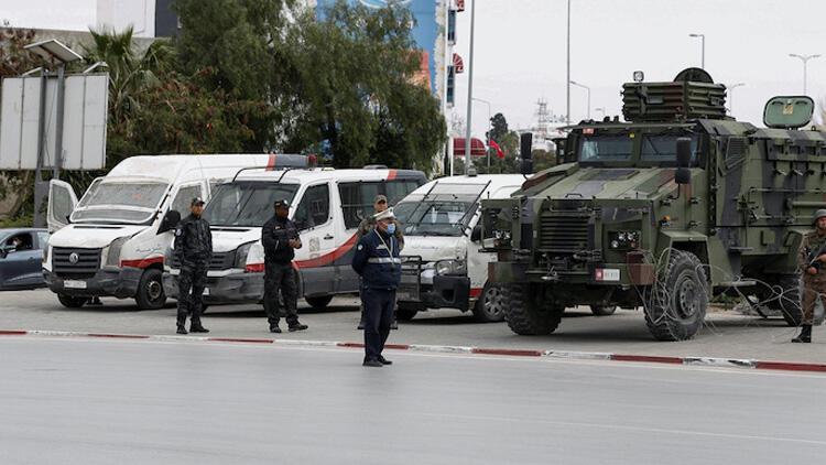 Tunus'ta 200 kişi gözaltına alındı
