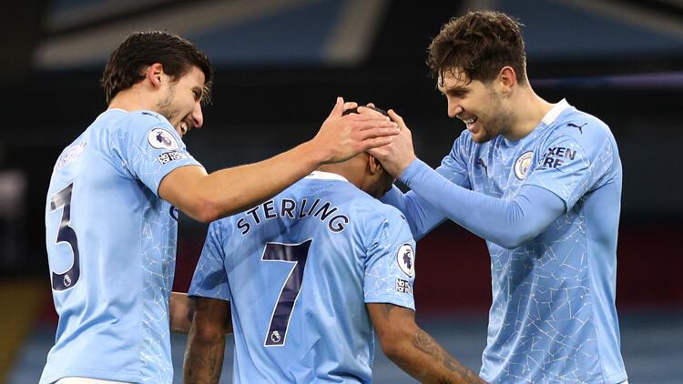 Manchester City, sahasında Crystal Palace'ı farklı yendi