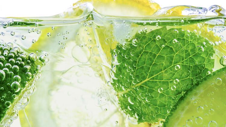 Tansiyonu düşürüyor, vücudu iltihaplanmalara karşı koruyor... Peki limonlu su zayıflamada etkili mi?