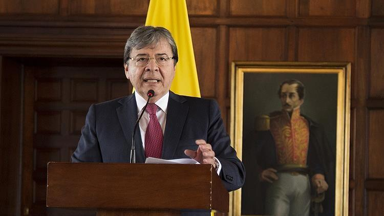 Kolombiya Savunma Bakanı Holmes yoğun bakıma alındı