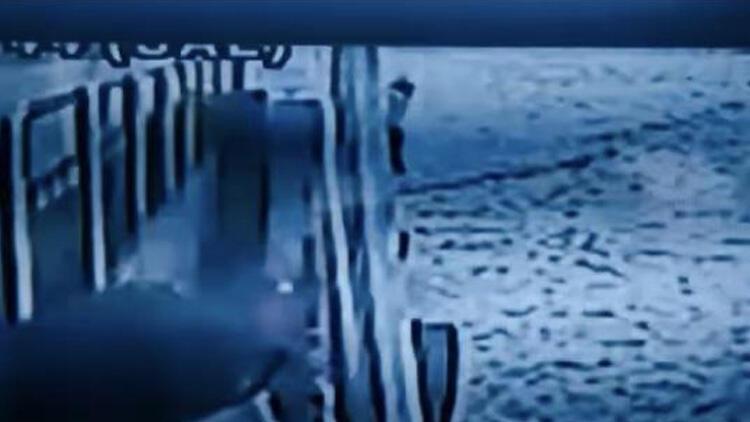 İstanbul'da vapurda korkunç olay! Denizde atlayarak intihar etti