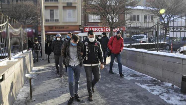 Sokakta uyuşturucu satan 6 şüpheli gözaltına alındı