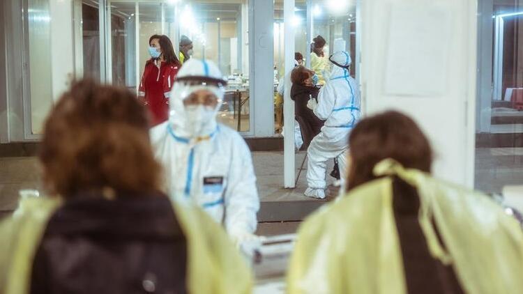 İtalya'da teslimattaki gecikmeler aşı kampanyasını yavaşlattı