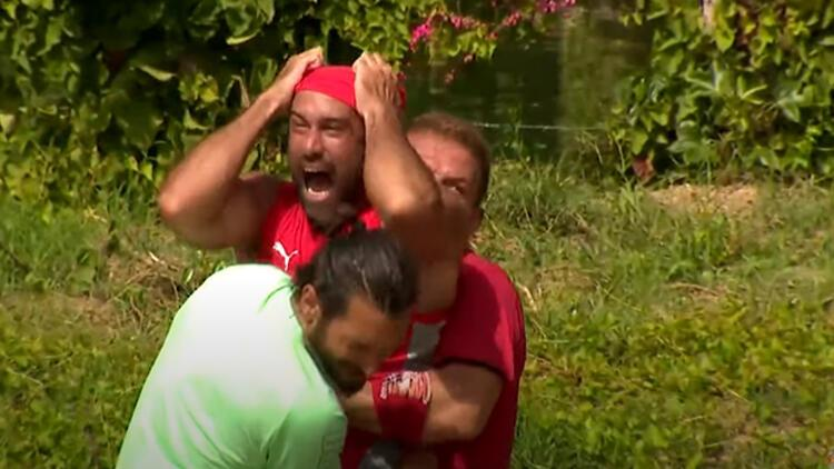 Survivor yeni bölüm fragmanında büyük kavga! Çağrı gönüllülere saldırdı, takım arkadaşları durduramadı... İşte o anlar