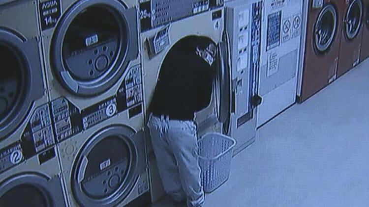 Çamaşırhanede kadın iç çamaşırı çalarken böyle yakalandı!