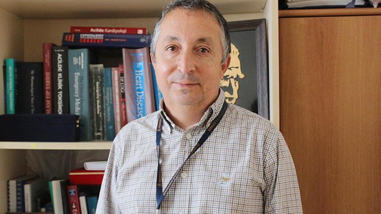 Hastalığı yenen Prof. Dr. Çete: Koronavirüs aşısı önemli bir silah