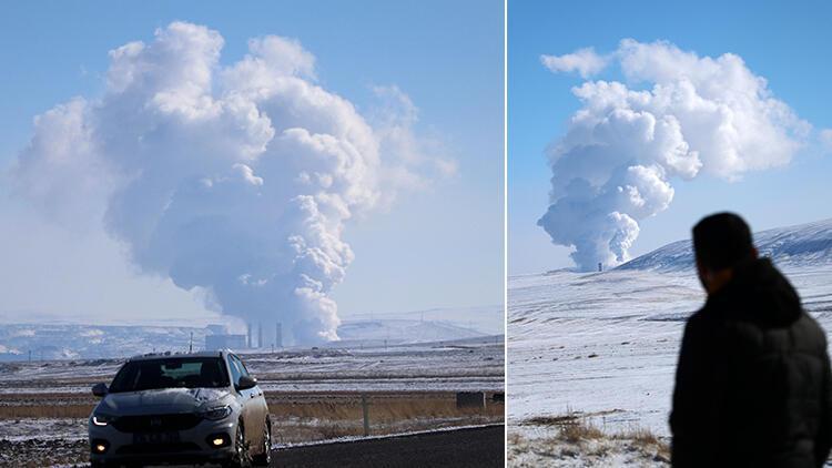 Sivas'ta zeminden yükselen yoğun duman yanardağı andırıyor