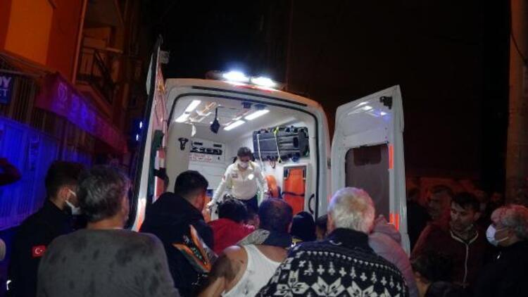 Bornova'da ev yangını: 1 ölü, 1 yaralı