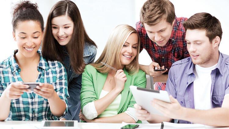Gençler en çok arkadaşlarıyla zaman geçirmeyi özledi