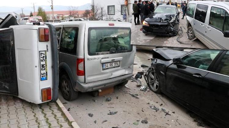 Ehliyetsiz sürücü park halindeki araçlara çarptı! Vali Yardımcısı: Kaza yapan oğlum