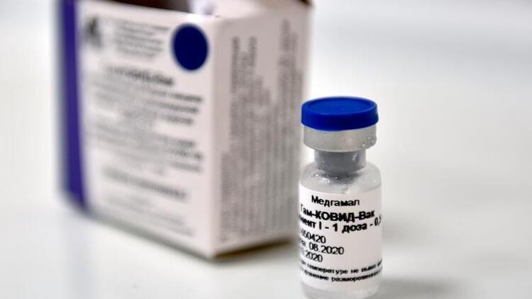 Son dakika... İran Rusya tarafından üretilen koronavirüs aşısının kullanımına onay verdi