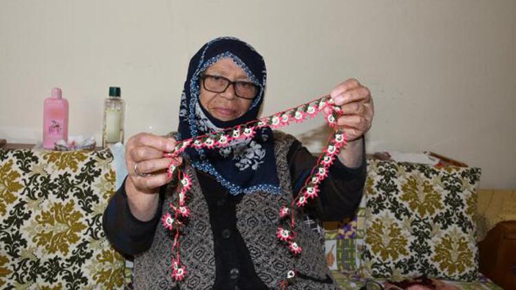 81 yaşındaki Pakize Nine iğne oyasıyla geçimini sağlıyor